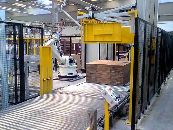 Automazione per impianti produzione cartoni corrugati
